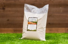 The 4.5 kg Diatomaceous Earth Package for Chickens on display